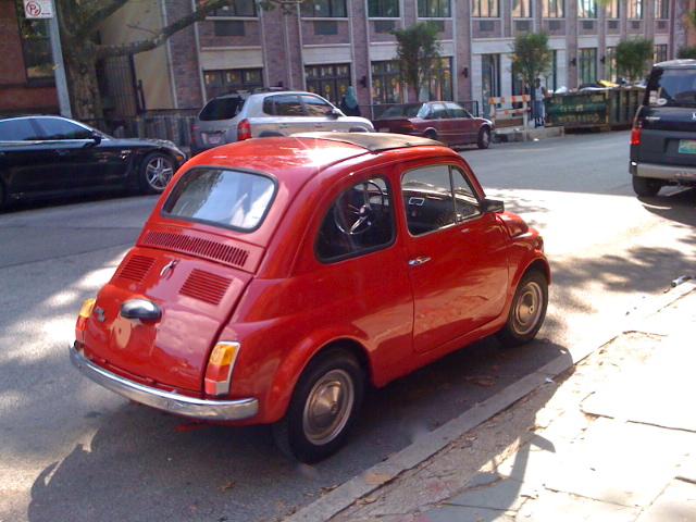 Una fiat 500 a new york la tua auto d 39 epoca il nostro for Moquette fiat 500 epoca