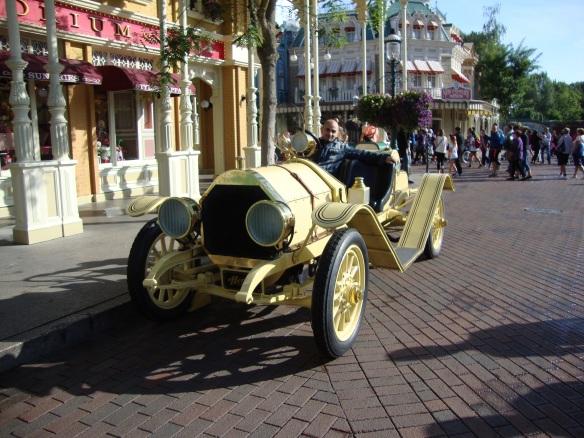 Disneyland auto epoca