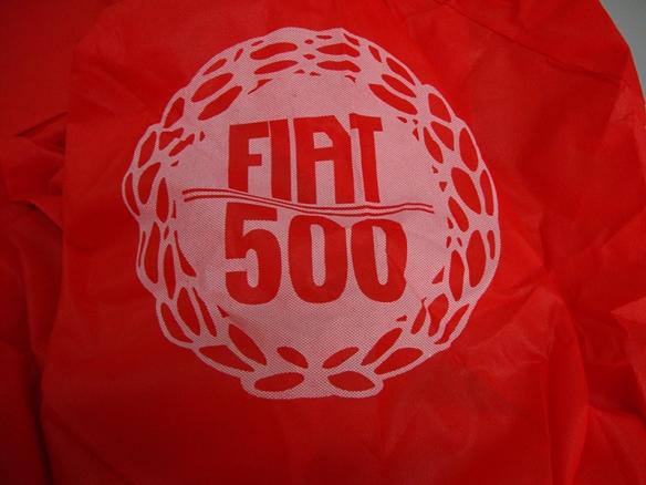 copri auto rosso interno con logo fiat 500