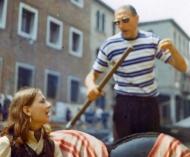 Carla y el gondolero cantan aire Napolitanos en Venecia